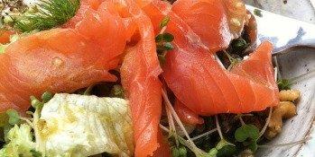 Une recette simple et goûteuse : salade de saumon au Goji